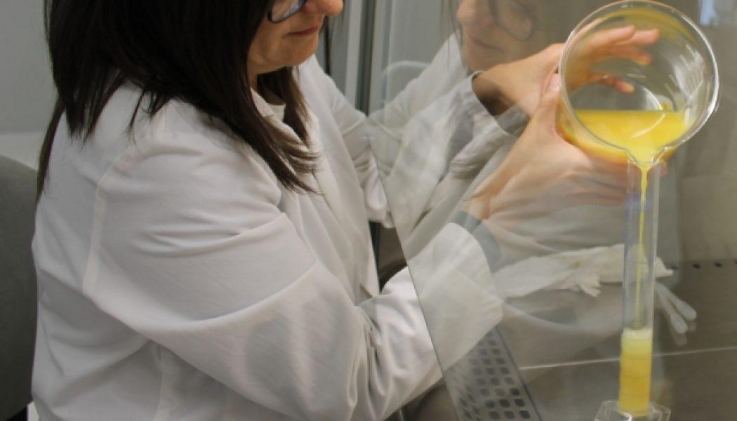Un envase bioplástico hecho con azúcares residuales de la fabricación de zumos
