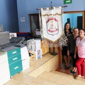 Mayra Carvajal Jinesta, Gerente Comercial de BN Fondos y el Personal Administrativo de la Escuela Edwin Porras Ulloa